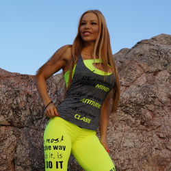 Beyond - Strong Girl Singlet / Small